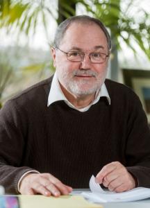Kurt Mehlhorn ist Direktor für Algorithmen und Komplexität am Max-Planck-Institut für Informatik an der Universität des Saarlandes.