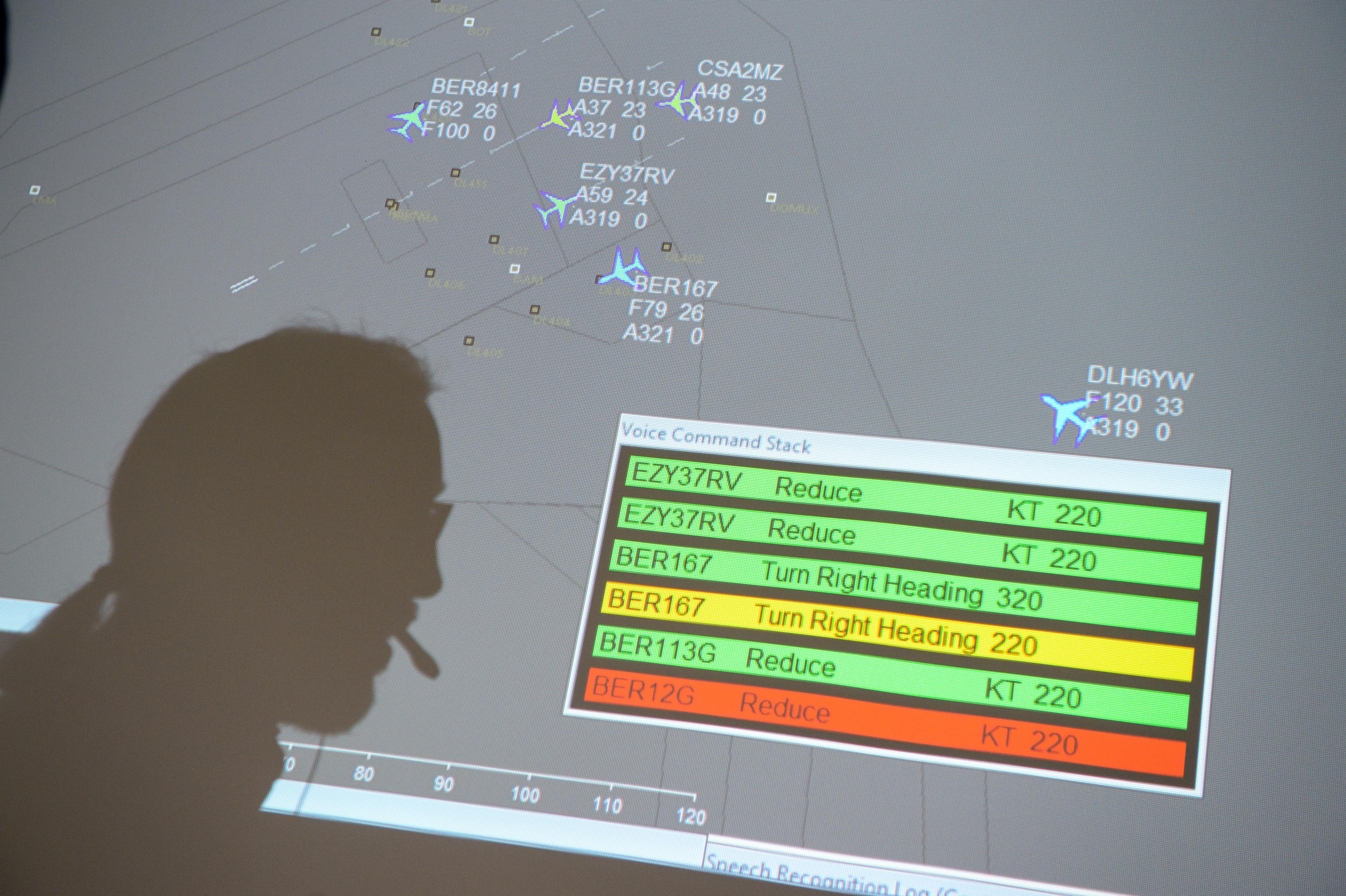 Cebit 2017: Saarbrücker Computerlinguisten machen Assistenzsystem für Fluglotsen intelligenter